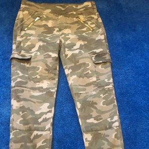 Girl's size 12 gently worn army fatigues pants.